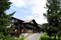 East Glacier Park Lodge